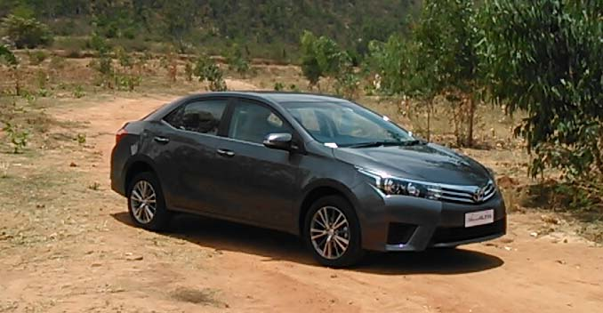 Hire the best quality Toyota Corolla Altis